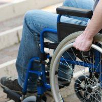 Rollstuhl fahrend-Einsatz