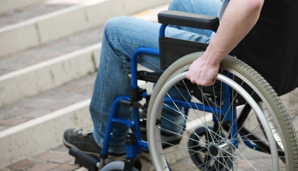 fauteuil roulant propulseur d'utilisation