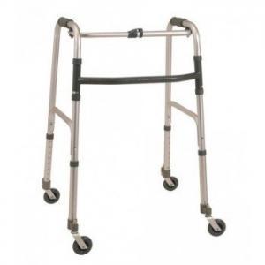 deambulatore 4 ruote per anziani